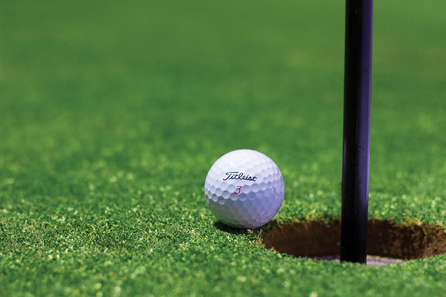 Fore! Golf Apps to Improve Your Swing