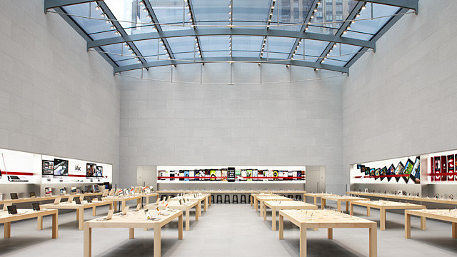 There Are Big Problems With UK Apple Stores, Says One Worker