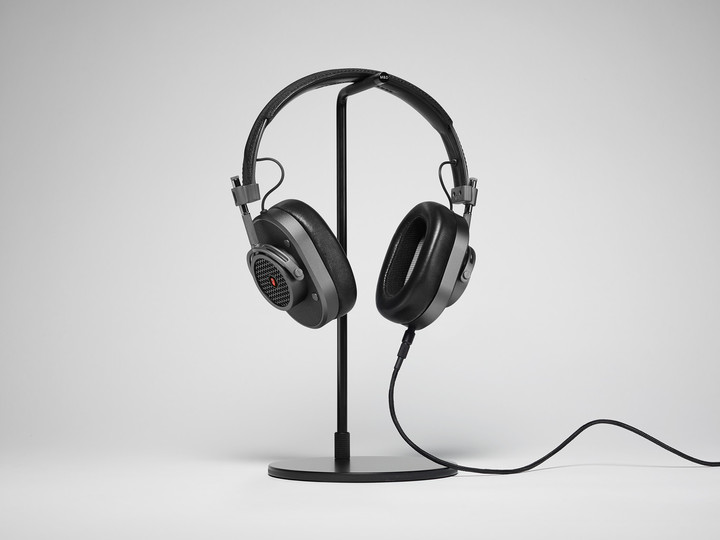 Selected fans of the Rolling Stones on the streaming music service will get the first opportunity to purchase the headphones.
