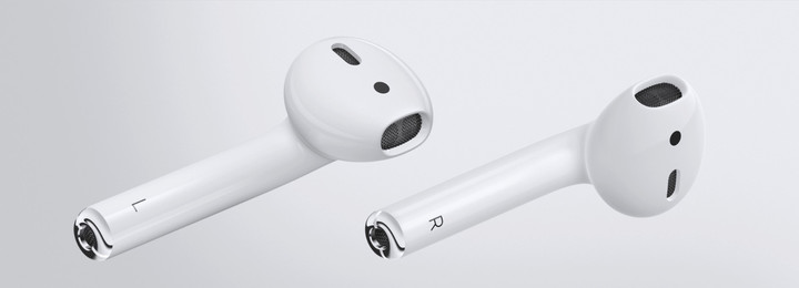 The completely wireless AirPods are contain the W1 chip and will arrive late next month.
