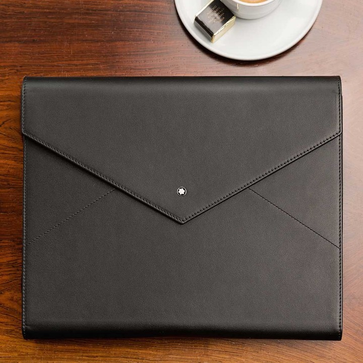The system's notebook is made with high-quality Italian leather