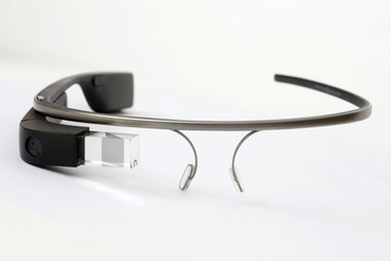 Apple is Reportedly Testing a Google Glass-Like Wearable Device