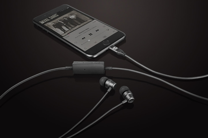 The HPL1 earbuds can be used with the iPhone 7 or other Apple devices with a Lightning plug.