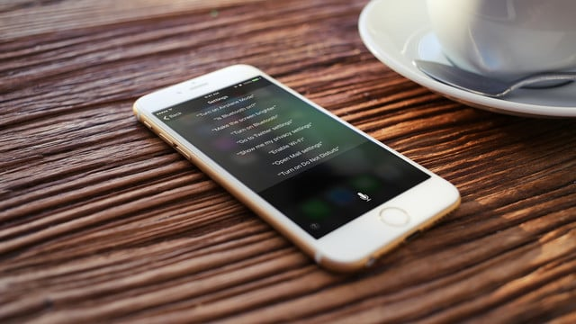 13 iPhone and iPad Settings You Can Change With Siri