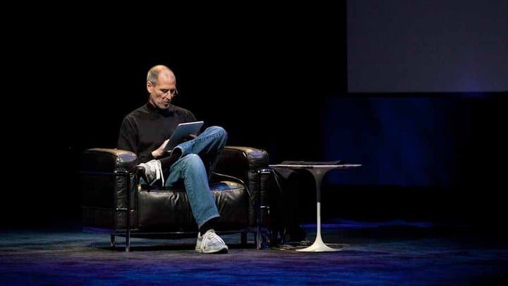 Steve Jobs showing off the first iPad, 2010