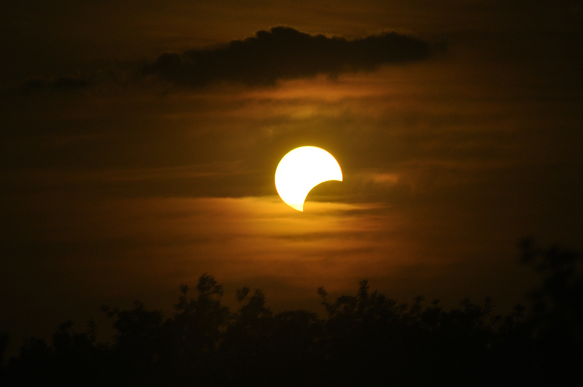 Celebrate the Great American Solar Eclipse With iHeartRadio