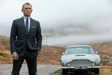 Apple, Amazon Fighting Warner Bros. Over James Bond Film Rights