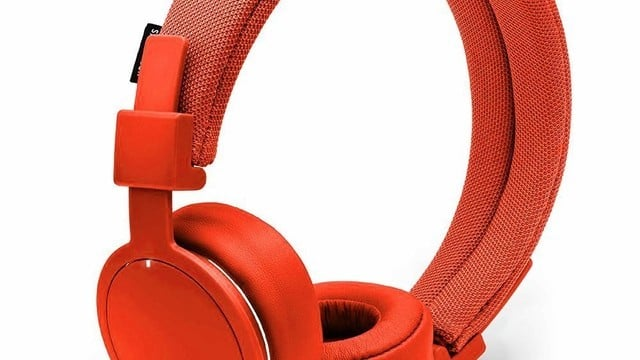 The Best Wireless Headphones to Give This Holiday Season