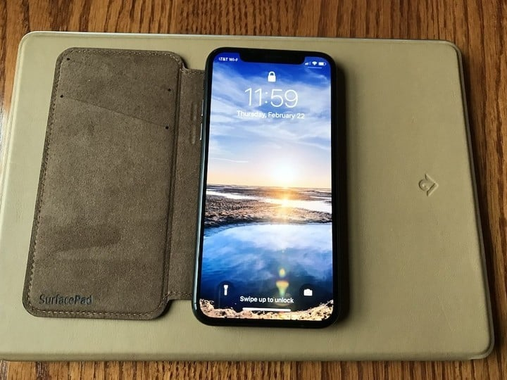reputable site dc867 b03ed Leather iPhone X SurfacePad Case Impresses, Includes New Features
